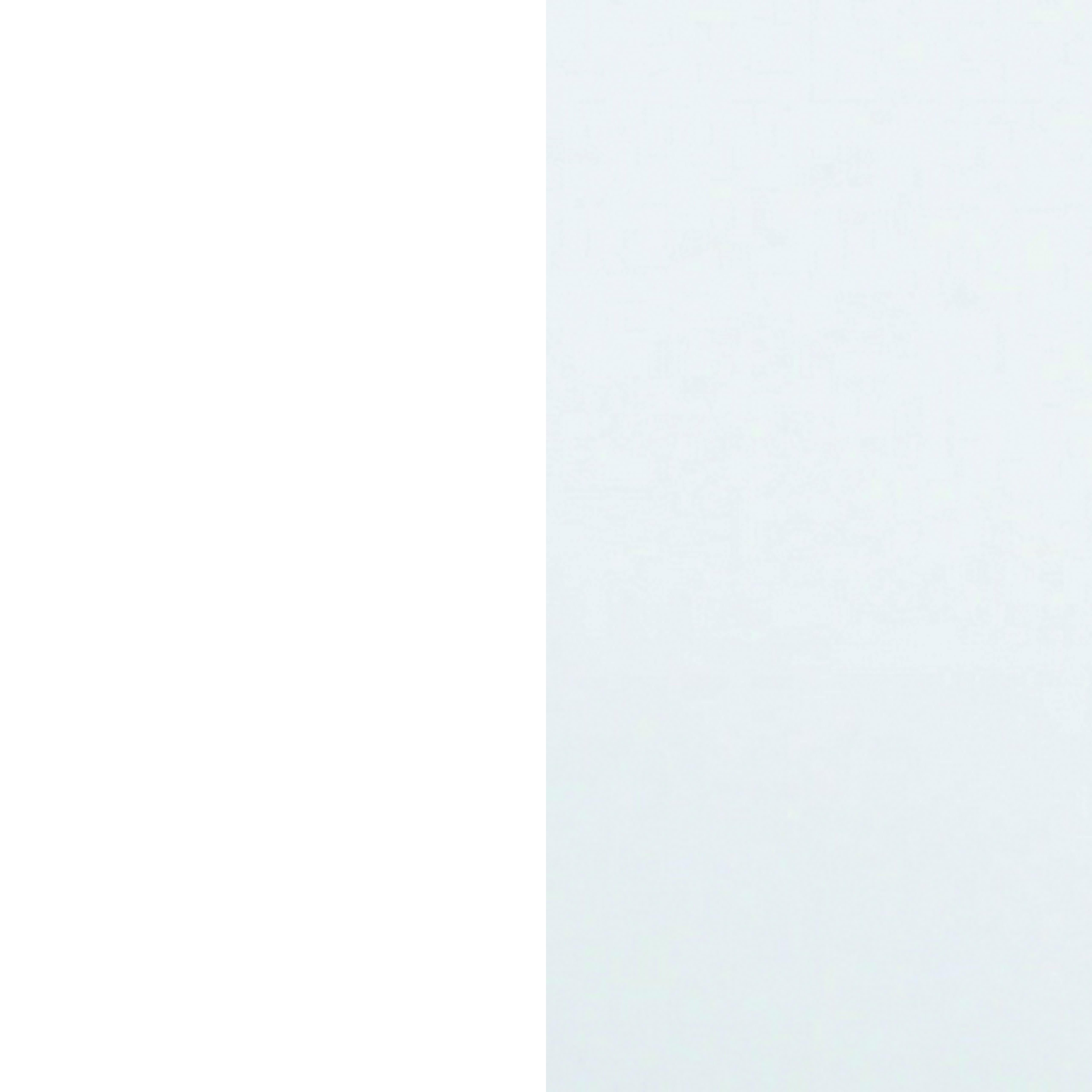 Coque blanche - Pieds blancs